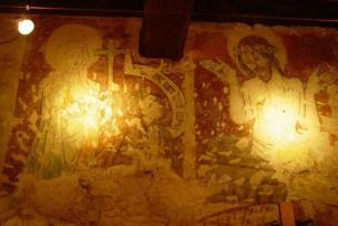 Zachowane polichromie, które można zobaczyć we wnętrzu Domu Długosza.