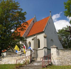 Kościół pw. św. Bartłomieja w Chotlu Czerwonym