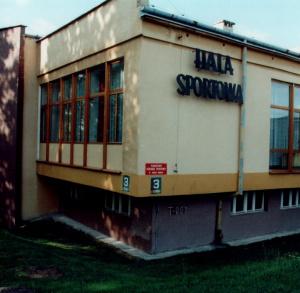 Hala sporotowa w PMOS w Busku-Zdroju