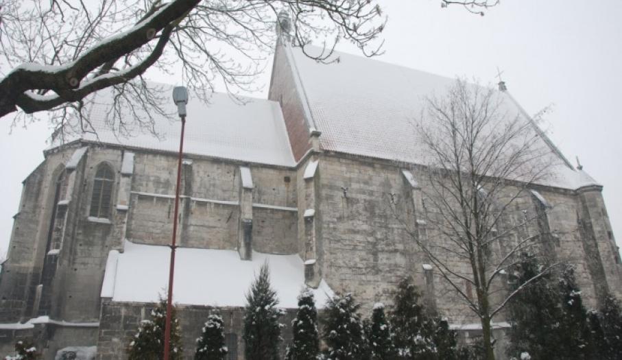 Bazylika Mniejsza w Wiślicy - widok od północnej strony.