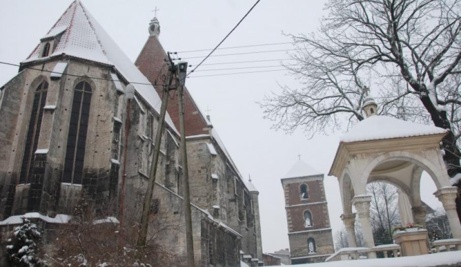 Bazylika Mniejsza w Wiślicy - widok od strony wschodniej.
