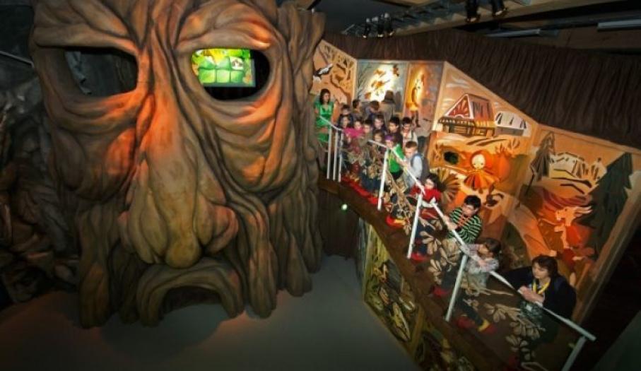 Wystawa Bajkowy Świat- Antresola na Pniu