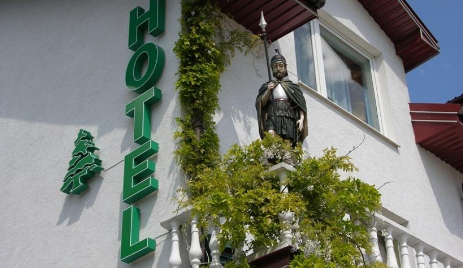 Hotel Pod Świerkiem, rycerz