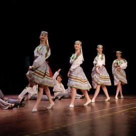 """Dziękujemy za występ Teatrowi Tańca """"Kwieciste Gwiazdy"""""""